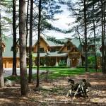 Maison en rondin de bois face