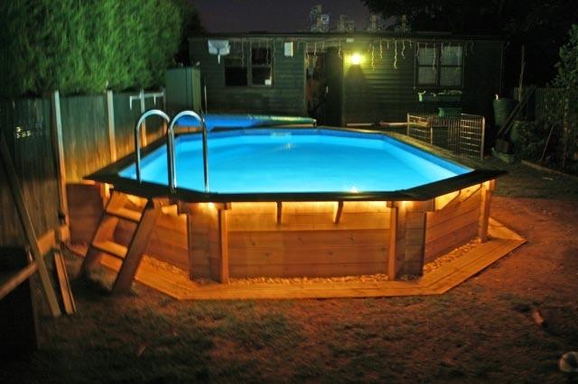 construction dune piscine en bois en harmonie avec la maison comment fabriquer une piscine en bois