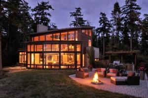maison en bois et verre